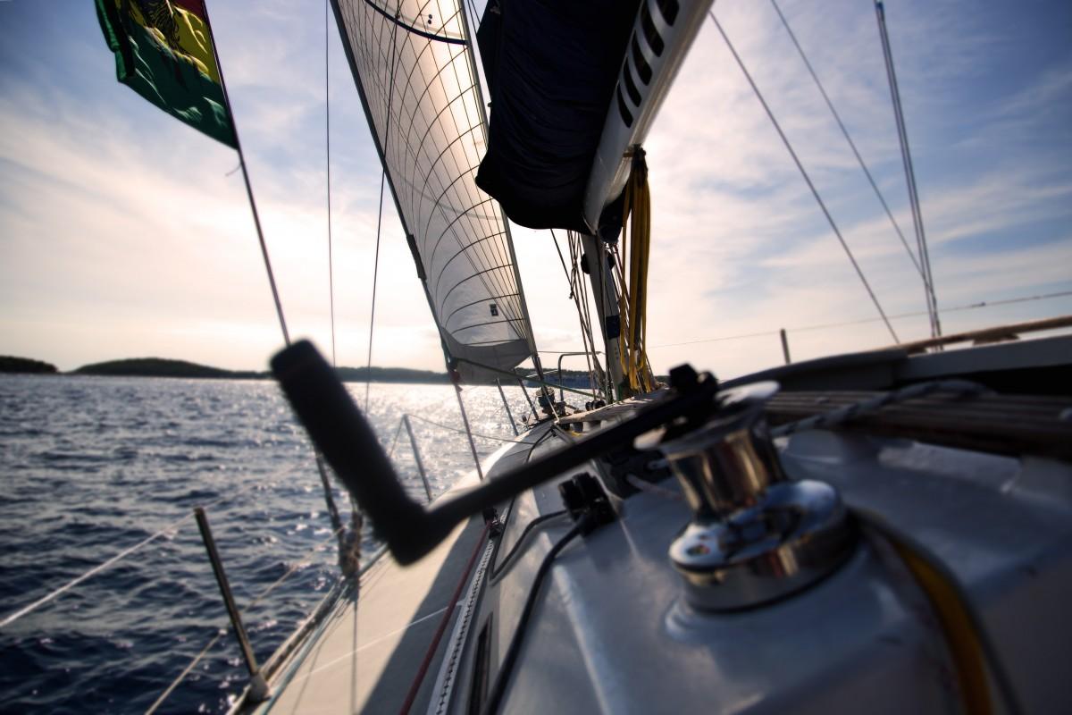 Yacht dans la mer